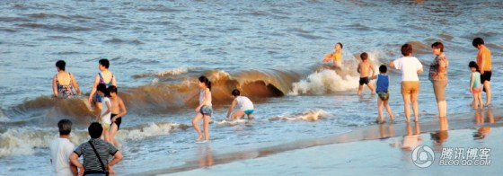 Los chinos normales y corrientes también disfrutan de las playas de Beidaihe.