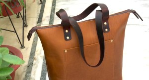 Let's TOTE ! Custom Leather Tote Bags
