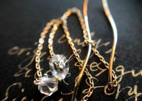 10金(K10 )ハーキマーダイヤモンドとウェーブチェーンピアス