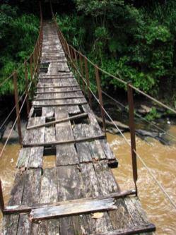 pont dangereux