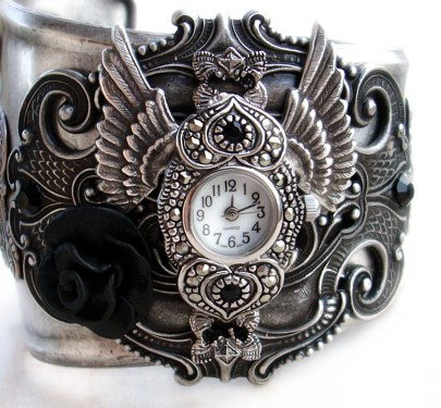 Horloge Montre Steampunk Steampunk___Gothic_Cuff_Watch_by_Aranwen