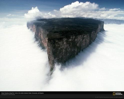 mount-roraima-ile nuage