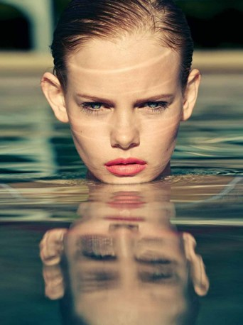 fille photo piscine tete