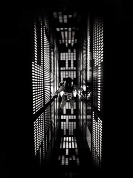 TITLE: 2001: A SPACE ODYSSEY ¥ YEAR: 1968 ¥ DIR: KUBRICK, STANLEY ¥ REF: TWO003IY ¥ CREDIT: [ THE KOBAL COLLECTION / MGM ]