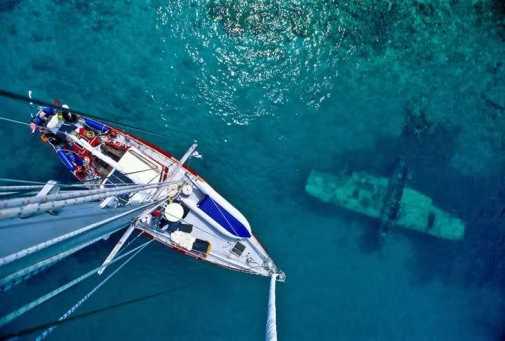 voilier mat epave mer