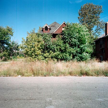 12 maison abandonnee