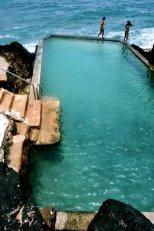 piscine pierre mer