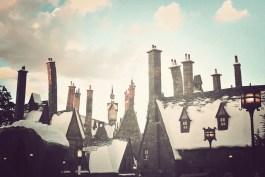 toits cheminees tordues