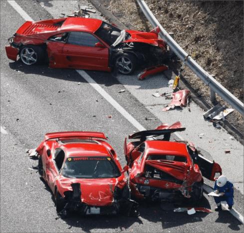 Japan 3 ferraris accidents