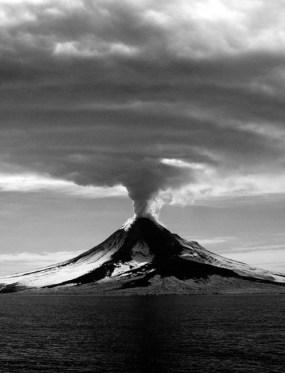 fumee volcan