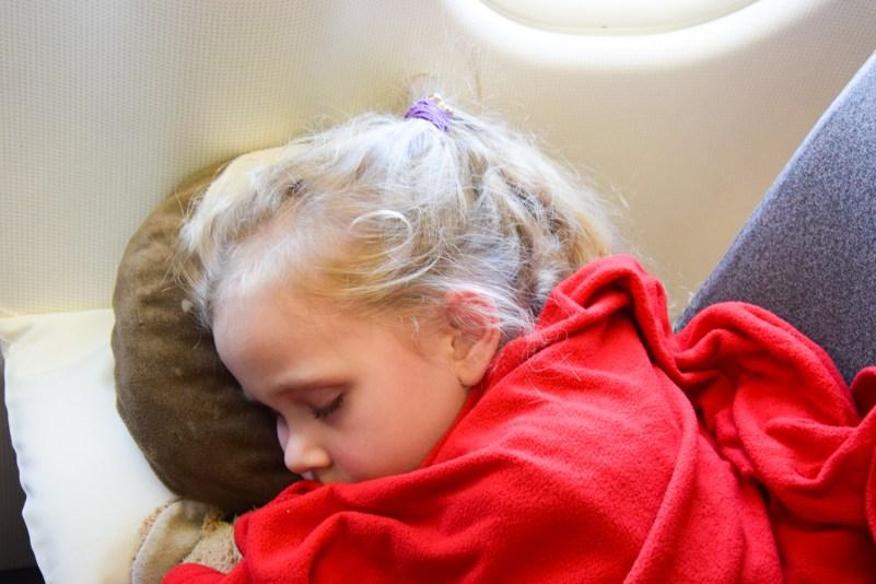 co robić z dzieckiem w samolocie