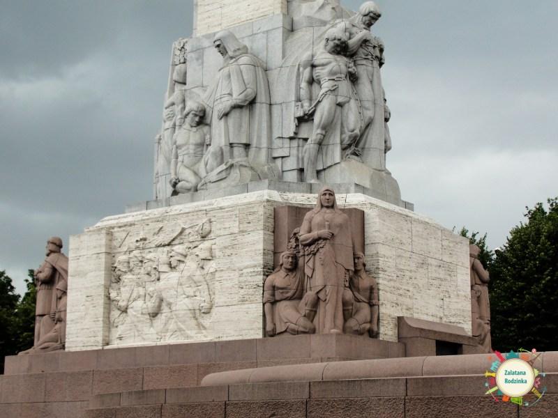statua wolnosci ryga