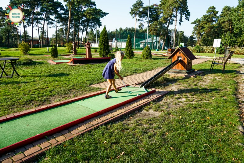mini golf józefów