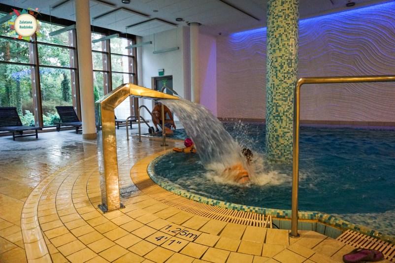 basen w józefowie