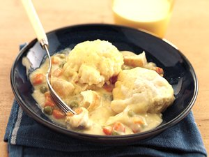easy-chicken-and-dumplings-a6da32e0-5063-4e9f-877c-518ac941b5dc-ss
