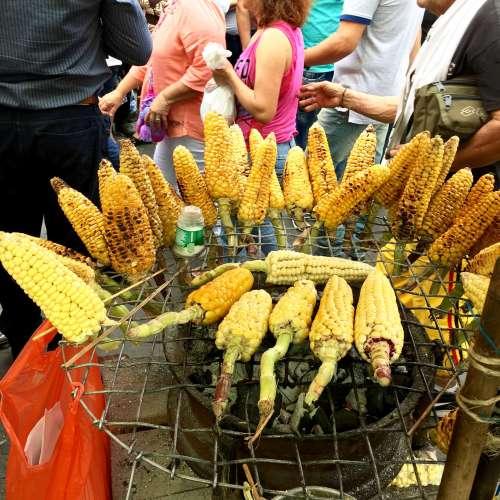 Maíz asado en Colombia