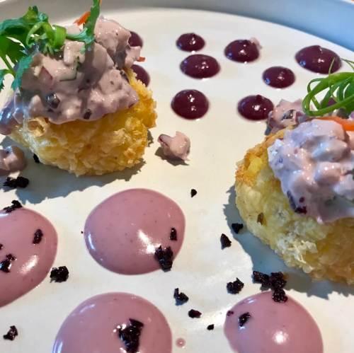 Causa limeña templada en el restaurante Piscomar