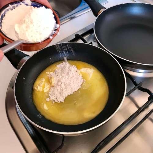 Preparación de la salsa bechameln