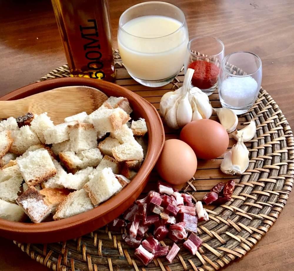 Ingredientes para hacer sopas de ajo