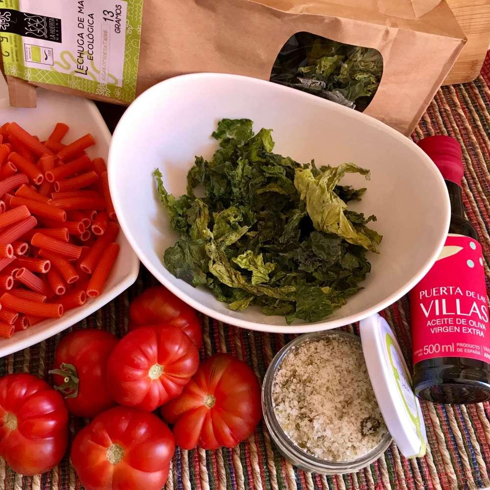 Ingredientes para hacer ensalada de pasta de lentejas rojas