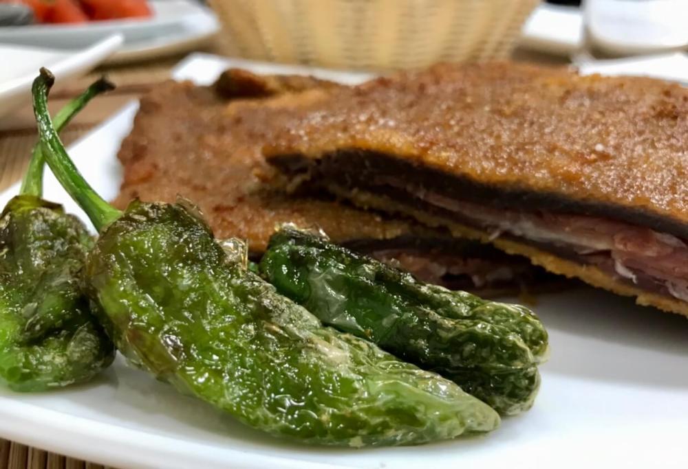 Comer en Gijón, cachopo