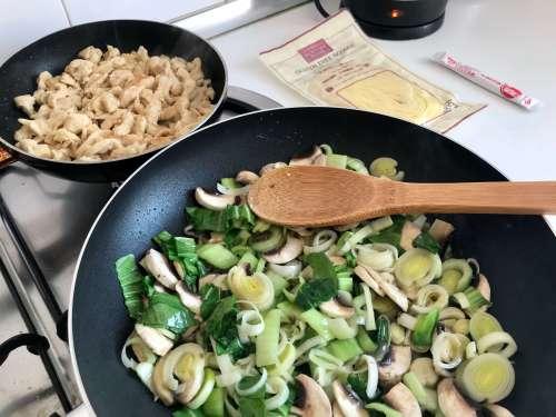 Receta de Yakisoba con pollo y verduras