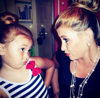 like-mother-like-daughter-funny-photography-401.jpg