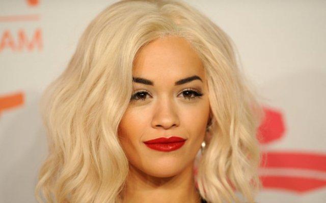 Rita Ora conquista Los Angeles con un topless velato