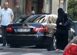 Gisele Bundchen in burqa