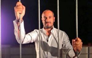 La gabbia di Gianluigi Paragone