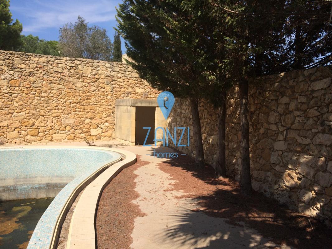 Farmhouses REF 13889 In Gozo