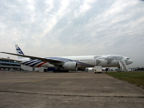Boeing 777-300ER N520TV Boeing Commercial Airplane