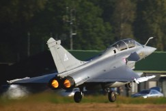 French air force Rafale take off