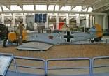 Bf-109E-3-1190_4-soldier