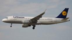 _IGP6856 Airbus A320-214 D-AIZV Lufthansa