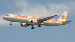 Airbus A321-211 Iberia EC-HUI