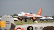 IMGP9570-ILA Airbus A319-111 G-EZBH EasyJet takeoff