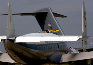 Lockheed Constellation and C-17 Le Bourget05