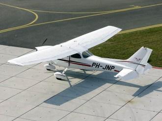 ad08-04 Cessna 172N PH-JNP