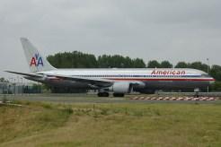 cdg06-05 B767-323ER N369AA American Airlines