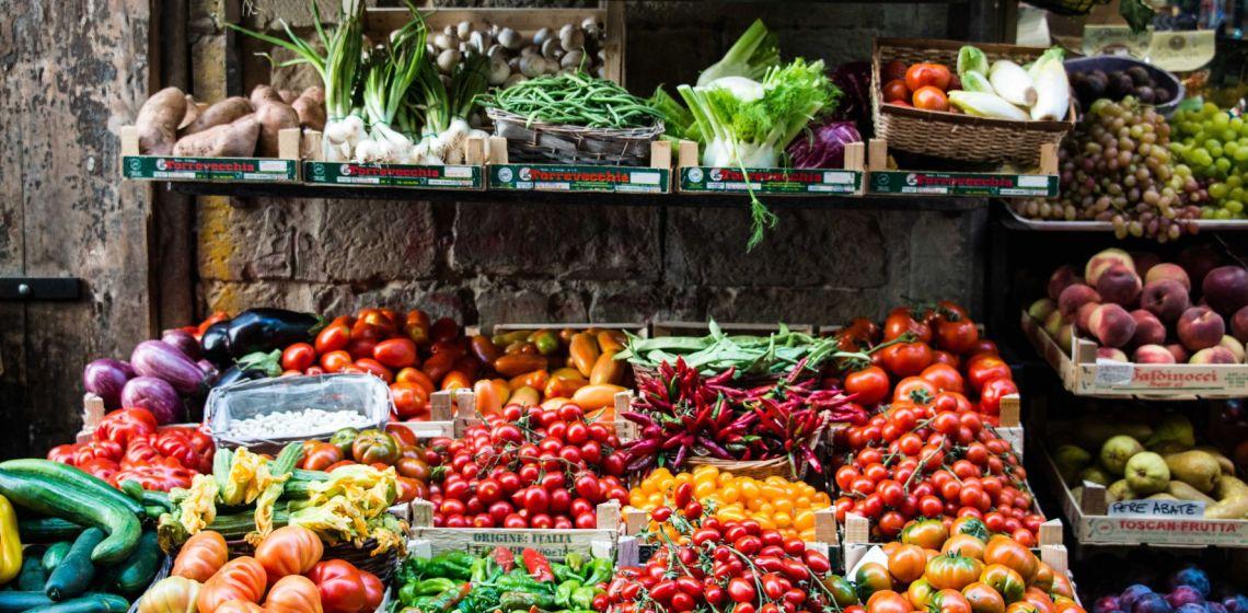 Comprar en el mercado en tiempos de coronavirus en Perú
