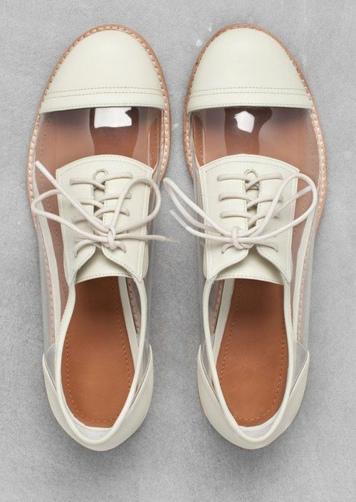 zapatos oxfords transparentes