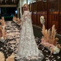 Kaley Cuoco's wedding dress took '400 hours to make'
