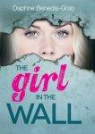 {Girl in the wall: Daphne Benedis-Grab}