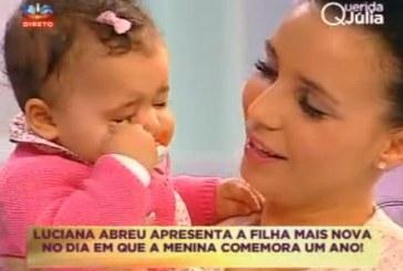 """Luciana Abreu apresenta a filha Lyani no """"Querida Júlia"""" [com vídeo]"""