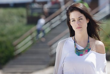 Victoria Guerra está dependente do visto para fazer filme com Malkovich