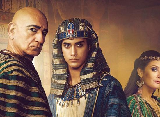 "SIC exibe a mini-série ""Tutankamon"" na última tarde do ano"