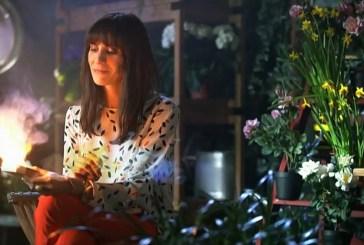"Isabel Abreu muda de visual para mostrar nova fase de Narcisa em ""Rainha das Flores"""
