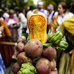 Ofrenda de Frutos a la Virgen del Pilar - Foto de Carlos Canales - El arte también tiene cabida en la Ofrenda de Frutos de Zaragoza