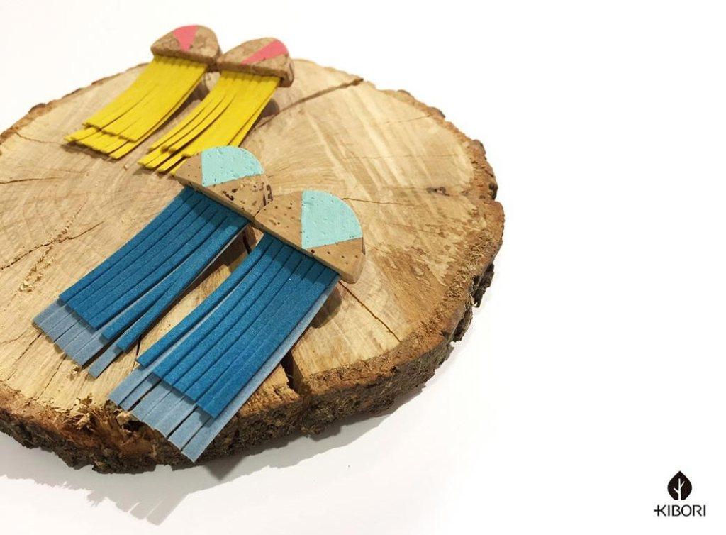 Kibori Design - Pendientes de corchos pintados por Silvia Mollat que se venden en las tiendas de Serendipia, Esenzia y el mercado de Las Armas de Zaragoza, y proximamente en su tienda online